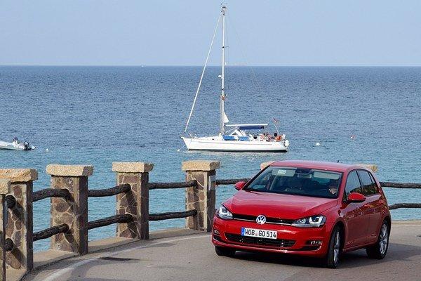Po úzkych cestách talianskeho ostrova Sardínia sme prevetrali Golf 7 s dieslovou motorizáciou 2.0 TDI .