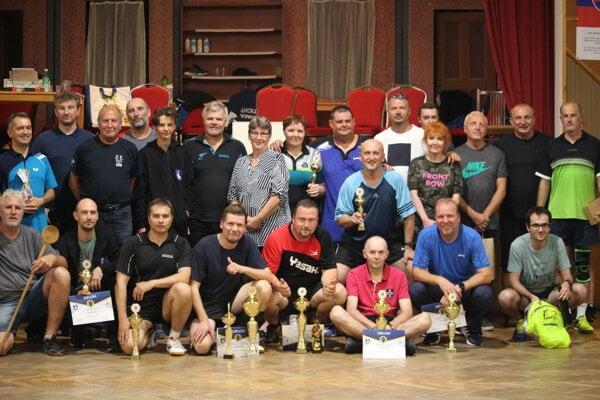Účastníci turnaja pri príležitosti 10. výročia.