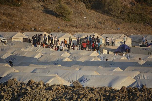 Stanový utečenecký tábor Kara Tepe na gréckom ostrove Lesbos.
