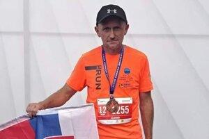 Ultramaratónec Slavomír Lindvai musel svoj program meniť.