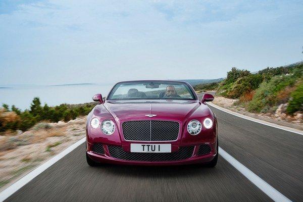 Bentley je pripravené na najbližšie leto kabrioletom z modelu GT Speed, ktorý aj verziu bez strechy potiahne motorom nie menším ako W12.