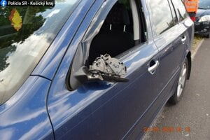 Vodičku zastavil pri Šemši vodič poškodeného vozidla.