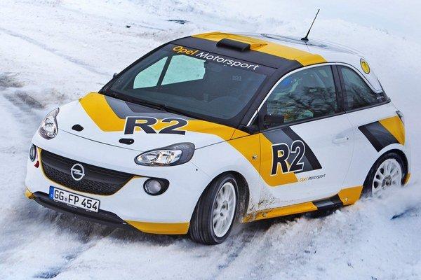 Prvé preteky a úvodná sezóna ukážu, či Opel dokáže vo svojej triede R2 poraziť momentálne najrýchlejší Peugeot 208 R2.
