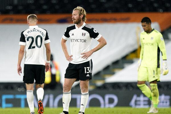 Futbalisti Fulhamu a brankár Alphonse Areola po prehre.