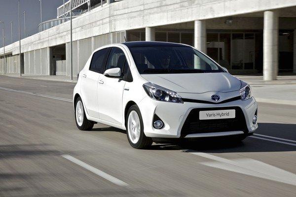 Toyota Yaris Hybrid ťaží z výhod ekologicky šetrnej technológie Hybrid Synergy Drive.