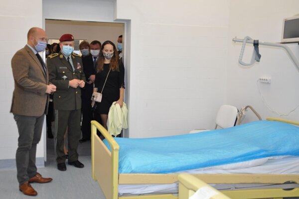 Pavilón dnes otvoril minister obrany Jaroslav Naď.