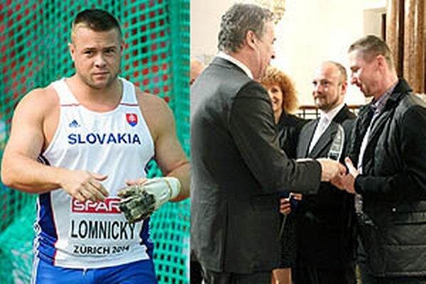 Najlepším športovcom Nitry za rok 2014 sa stal kladivár Marcel Lomnický. Na slávnostnom oceňovaní však chýbal, keďže sa pripravuje v USA. Vpravo primátor Jozef Dvonč oceňuje trénera hokejistov Antonína Stavjaňu.
