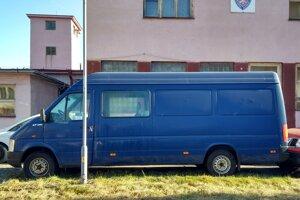 Odpredaj cestného motorového vozidla VOLKSWAGEN LT35. Vyvolávacia cena 2940 eur.
