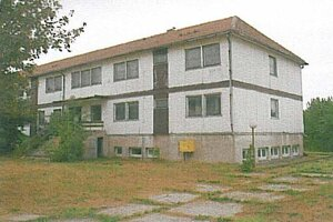 Ubytovacie zariadenie na Tehliarskej ulici v Štúrove. vyvolávacia cena 129 600 eur.