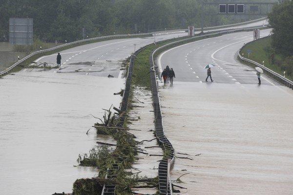 Veľa peňazí pôjde aj do opráv po tohtoročných povodniach.