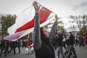 Bielorusi pokračujú v protestoch.