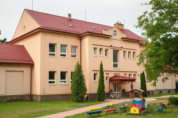 Materská škola na Budovateľskej sa pýši certifikátom Zelená škola.