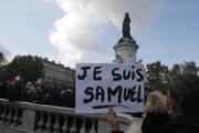 Vo Francúzsku sa po vražde učiteľa konali pochody za slobodu slova i učenia.