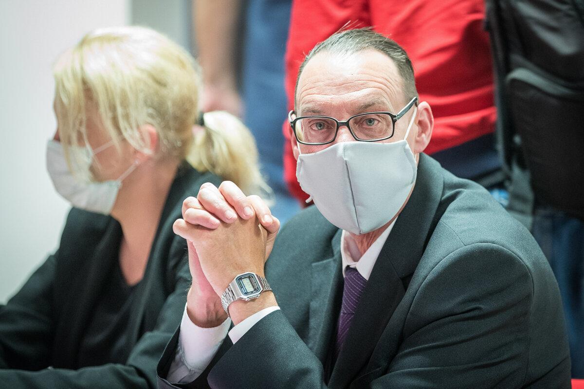 Vyšetrovateľ navrhol obžalovať Trnku pre zneužívanie právomoci - SME