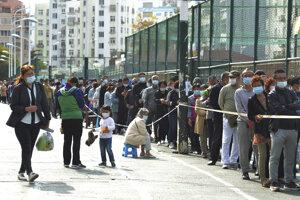 V čínskom meste Čching-tao otestovali za päť dní viac ako desať miliónov ľudí.