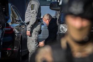 Dušan Kováčik po zadržaní.