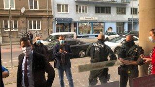 Senát STU navrhol odvolať rektora: Na verejné zasadnutie sa nevedel dostať ani Šeliga