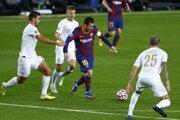 Argentínčan Lionel Messi medzi hráčmi Realu Madrid.