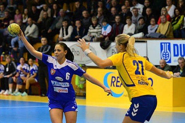 S loptou reprezentantka Slovenska Réka Bíziková.