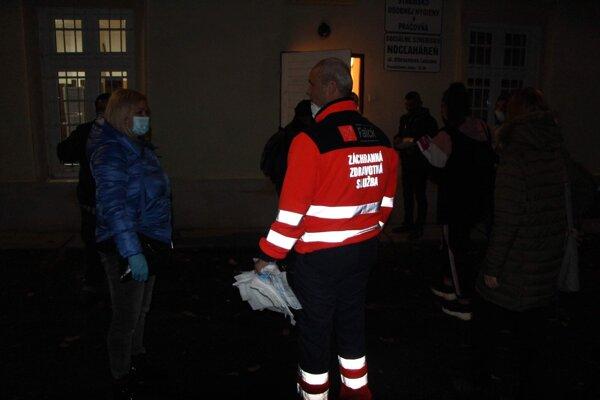 Otestovali aj zamestnancov nocľahárne v Lučenci.