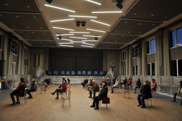V Liskovej si premiéru vynoveného kultúrneho domu predstavovali zrejme inak.