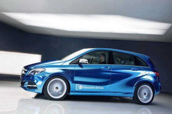 Mercedes chce pripraviť z každého modelu aj elektrickú verziu. Začína novou triedou B.