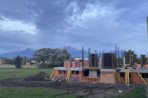 Výstavba napreduje.