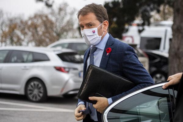 Predseda vlády SR Igor Matovič prichádza na zasadnutie Ústredného krízového štábu.