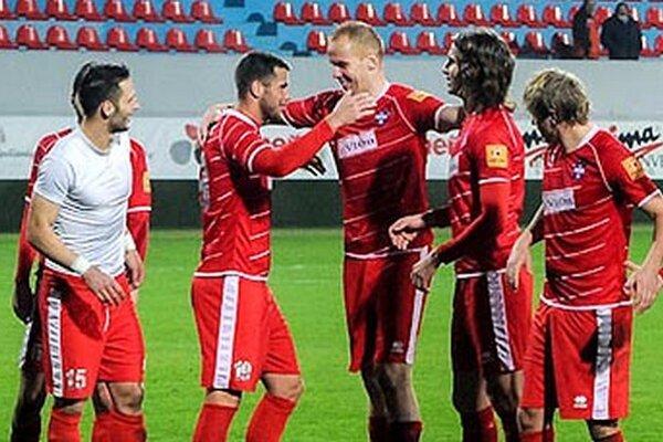 V strede Karol Pavelka, autor jediného gólu.
