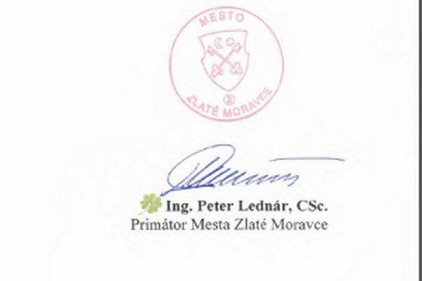 Lednár si pred voľbami kreslí. Do oficiálneho mestského dokumentu si dokreslil štvorlístok, symbol, ktorý využíva v kampani.
