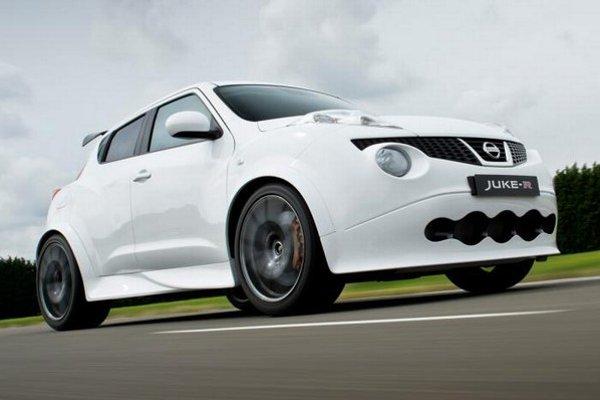 Nissan Juke-R sa vďaka záujmu dočkal malosériovej výroby.