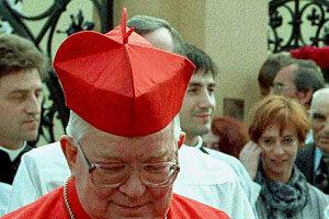 Na archívnej snímke z 25. mája 1997 Henryk Gulbinowicz vo Vroclave.
