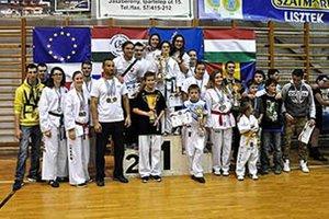 Nitrianski taekwondisti súťažili v Maďarsku a na Morave.