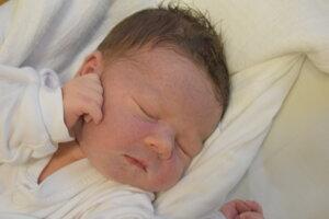 Šimon Žák (3660 g, 50 cm) sa narodil 15. novembra Simone a Marošovi z Trenčianskeho Jastrabia.