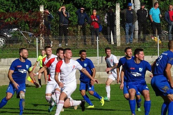 Moment zo zápasu Poltár - Hajnáčka.