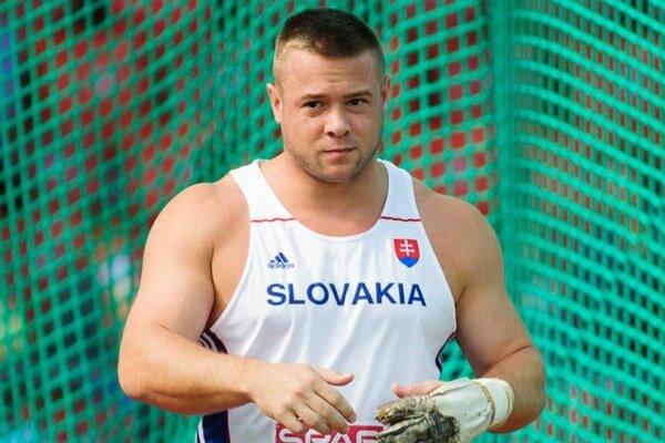 K striebru mužov AC Stavbár Nitra prispel aj olympionik Marcel Lomnický.