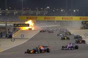 Romain Grosjean mal ťažkú nehodu počas VC Bahrajnu 2020.