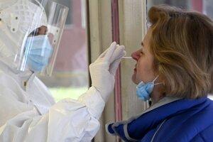 Antigénovými testami sa testuje najmä pri hromadných akciách. Výsledok vyšetrenia nimi je známy do polhodiny.