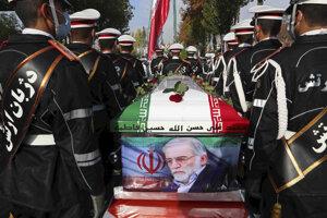 Pohreb iránskeho vedca Mohsena Fachrizáde Mahábádího.