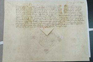 Zreštaurovaná listina kráľa Vladislava II., ktorá potvrdzuje výsady mesta Rožňava a právomoc súdiť.