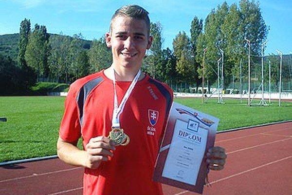 Ákos Juhos vyhral desaťboj juniorov na M-SR.