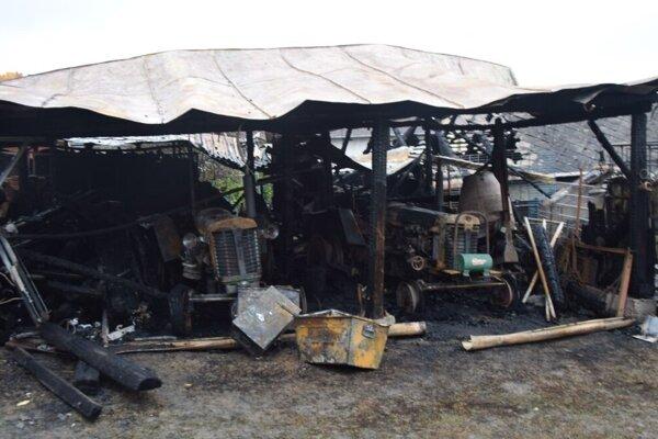 Následky požiaru v Kavečanoch.