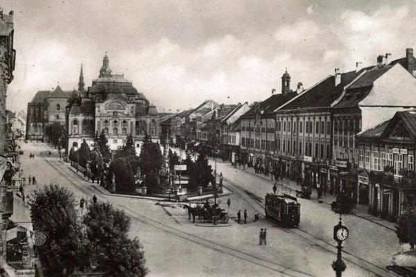 V centre Košíc bola kedysi rušná doprava a nechýbali ani rôzne kolízie.