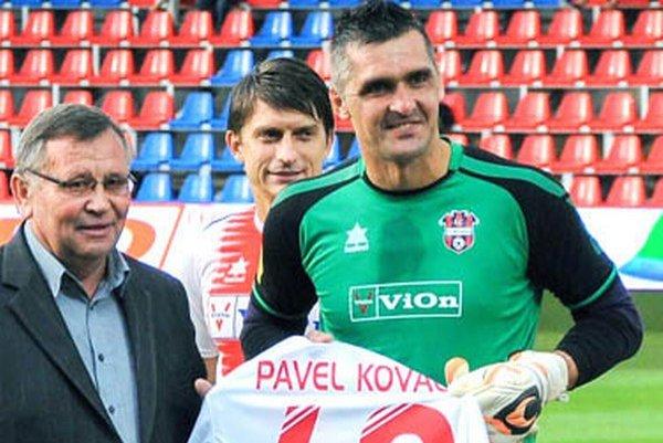 Skúsený gólman Zlatých Moraviec Pavel Kováč je vo veku 40 rokov najstarším hráčom Fortuna ligy. Ale patrí medzi elitu!