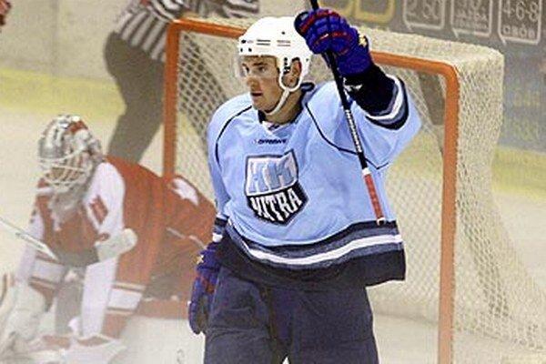 Novou tvárou je útočník Radoslav Illo. Naposledy hrával v zámorskej AHL za Norfolk.
