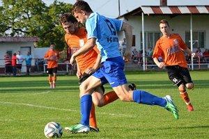 Skóre zápasu mužov otváral Andrej Ivančík, bráni ho domáci Boboň.