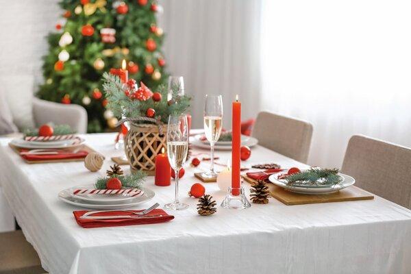Vianočný stôl by mal byť vždy pripravený aj pre tých, ktorých nečakáme.