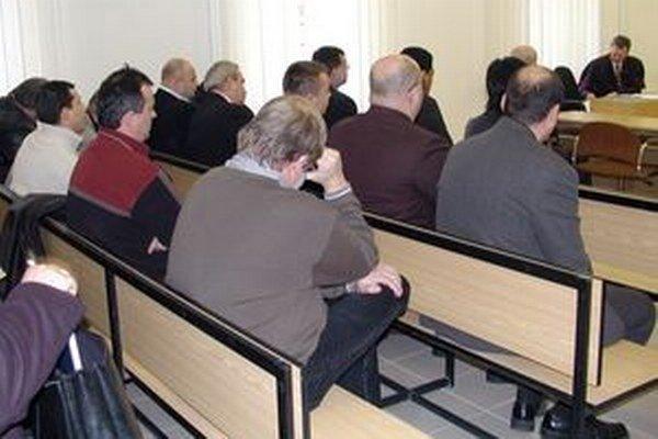 V kauze bolo pôvodne obvinených dvadsať ľudí. Prvé rozsudky vyniesli v roku 2006.