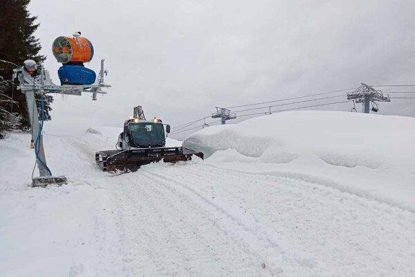 Horehronie sa na sezónu pripravuje, niekde sa už lyžuje.