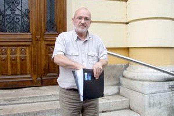 Milan Vigláš trvá na svojej nevine. Na súd pricestoval vlani na jeseň z Írska, kde žije už niekoľko rokov.